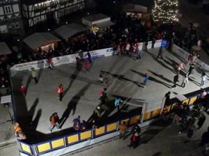 Meiningen-D-Kunsteisbahn-fur-ein -Weihnachts-Event
